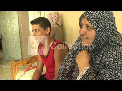 MIDEAST:FRONTLINE FAMILIES DAILY LIFE UNDER FIRE