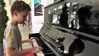 musique du film intouchables, piano de la gare. thumbnail