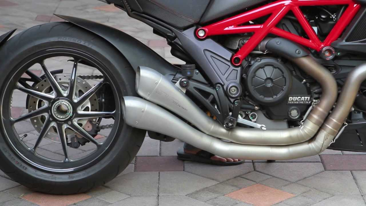 Ducati Diavel with HP Corse (Factory) exhaust - YouTube