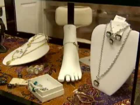 Jewelry partners: 'Let's do our store'