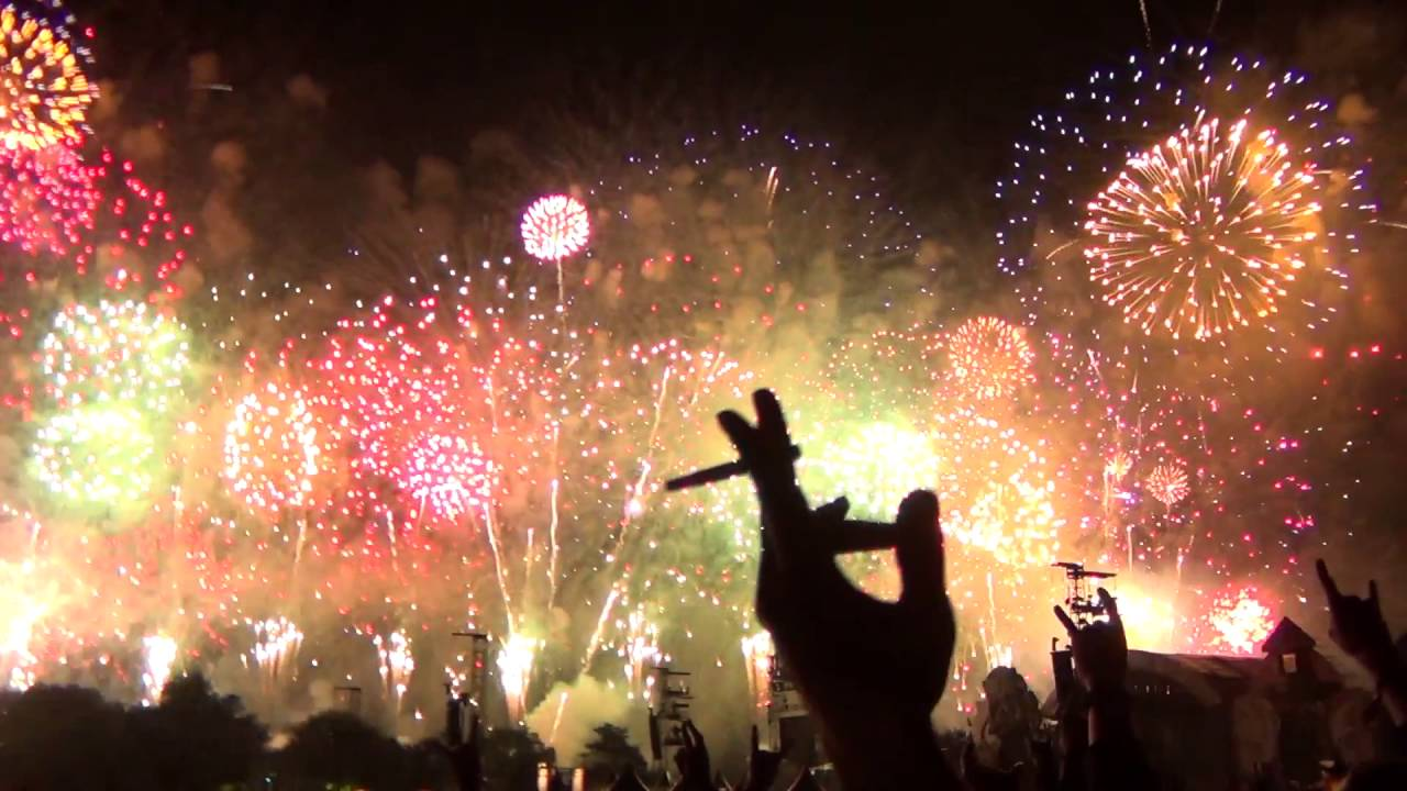 Hellfest 2016 Fireworks Tribute To Lemmy Kilmister Youtube