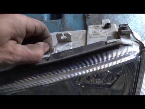 Skoda . ремонт кронштейнов фары.