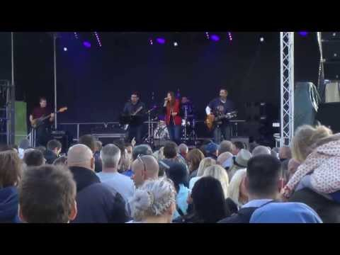 Paul Heaton - Me and the Farmer (The Housemartins) - at Mosborough Music Festival 2013