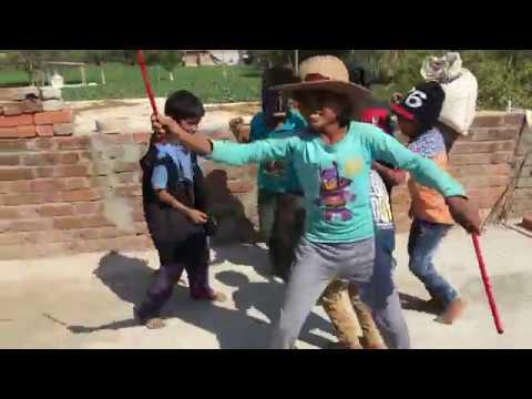 Small Boys Awesome dance On Le Nach Mari Bindani Bhandara Me Dj Baje