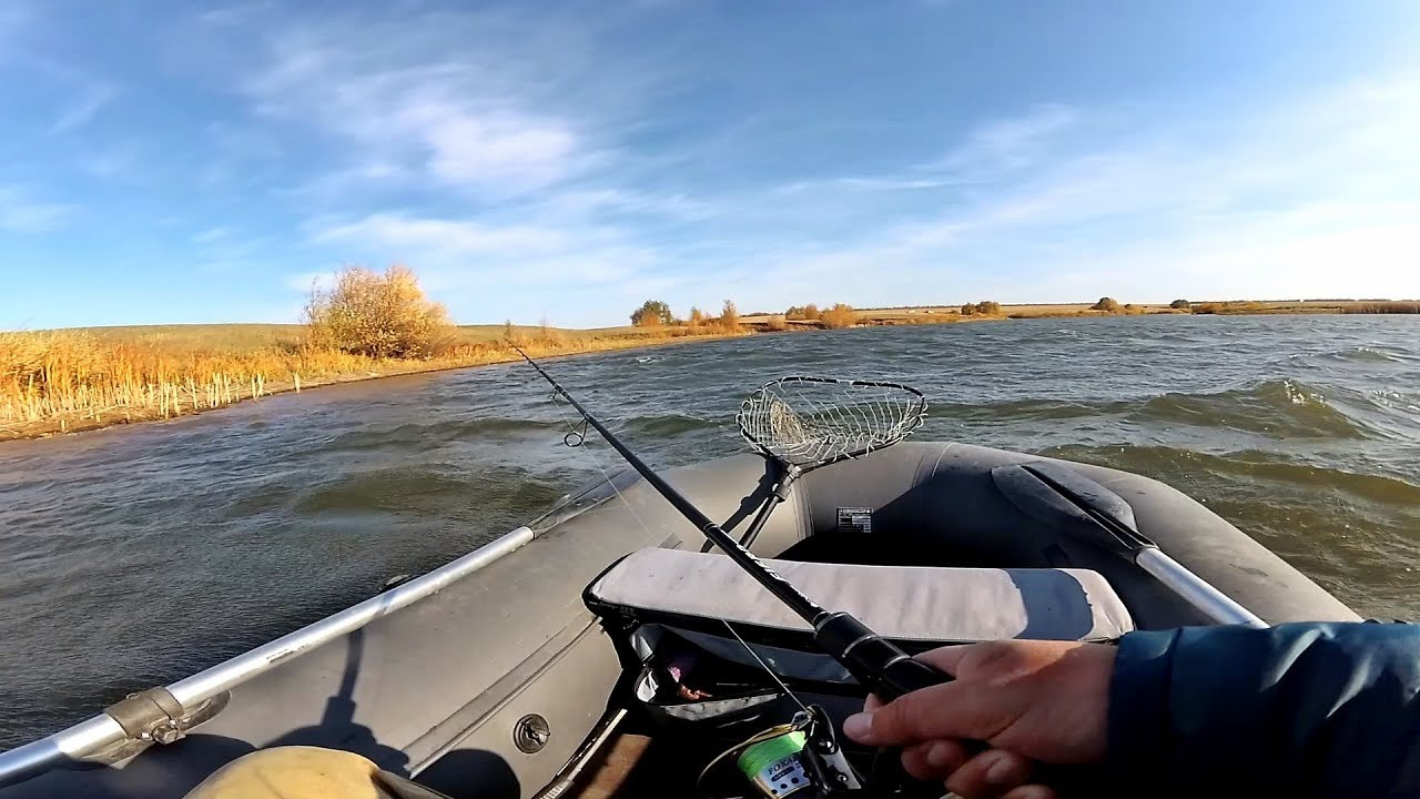 Рыбалка на спиннинг осенью в шквальный ветер