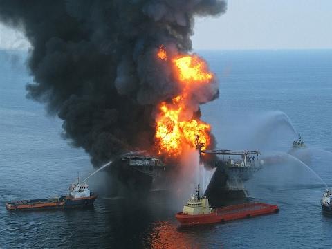 Deepwater Horizon for safety  التسرب النفطي في خليج المكسيك