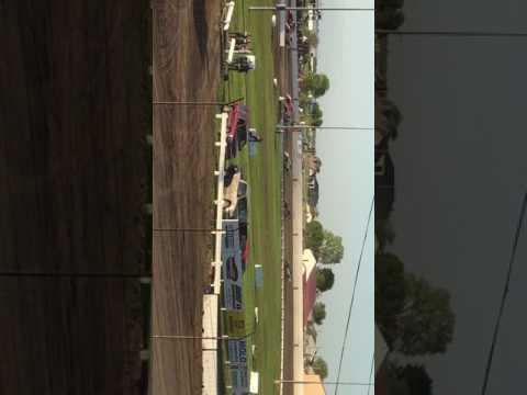 Heat race at Farley Speedway