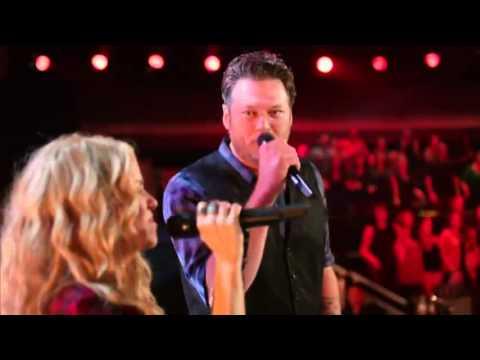 Shakira sings Country