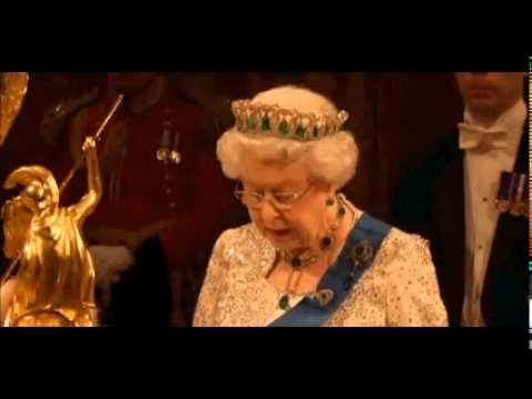 Queen jokes about Olympic  ceremony entrance