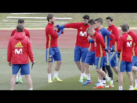 Spain national team having fun during training | 2017
