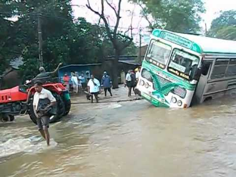 Bus flood horowpothana thumbnail