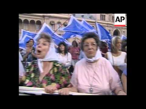 ARGENTINA: MOTHERS OF THE PLAZA DE MAYO RESISTANCE MARCH