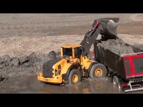CONSTRUCTION SITE l  RC truck rescue !