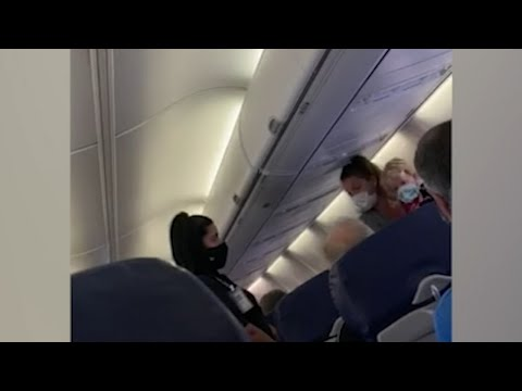 Chicago mom, son kicked off Southwest flight when he wouldn't keep mask on