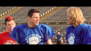 22 Jump Street - football scene