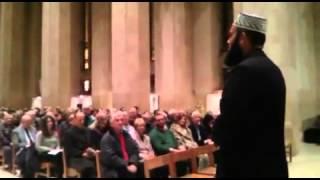 Gambar cover Hafiz Saeed Hashmi Reciting Azan at Guildford  Cathedral at an Eevent. 16/11/2013