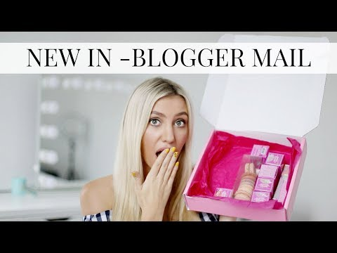 BLOGGER MAIL UNBOXING NEW IN BEAUTY AUGUST | Scarlett London