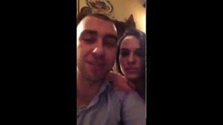 Гарри Топор с женой в ресторане