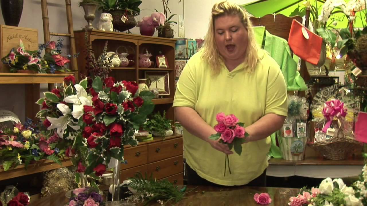 Flower Arrangements : How to Make a Fresh Rose Wedding Bouquet - YouTube