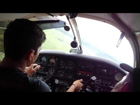 POUSO EM ENVIRA CMDT WESLEY PA-28 CORISCO.MP4