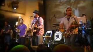 Glenn Fredly feat Sandy Sandoro - Let's Say Love live at Hard Rock Cafe Jakarta 2010
