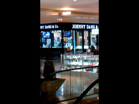 TVJohnny jewelry store getting robbed in Galleria
