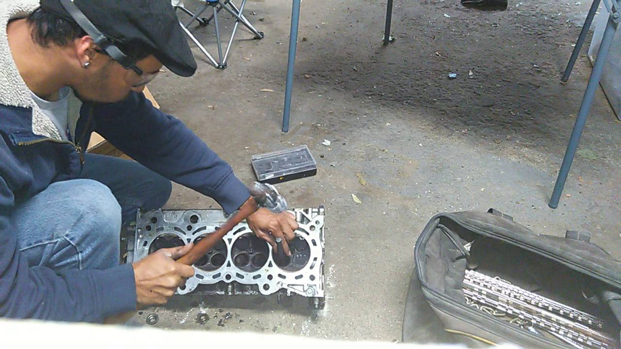 valve guide removal youtube rh youtube com 2010 Acura TL Dash Lights Acura TL Rims