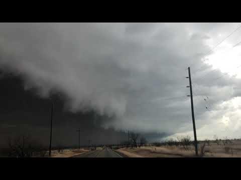 Ominous SHELF CLOUD approaching Abilene TX with strong winds, blowing dust!