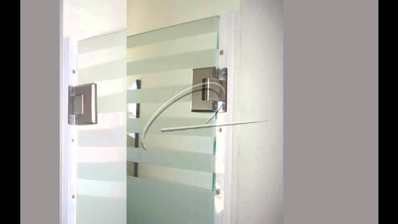 Divisi n de oficina con cristal templado eco alum youtube for Puertas para oficinas exteriores