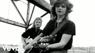 Watch Indigo Girls Closer To Fine video