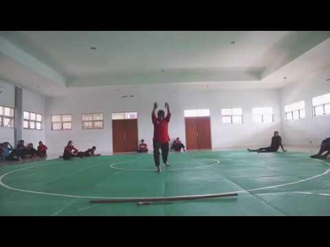 Latihan tunggal putri Puspa Arumsari