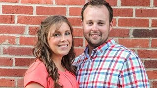 Josh Duggar Reunites With Wife Anna and Family For Thanksgiving Getaway at Ozarks Cabin