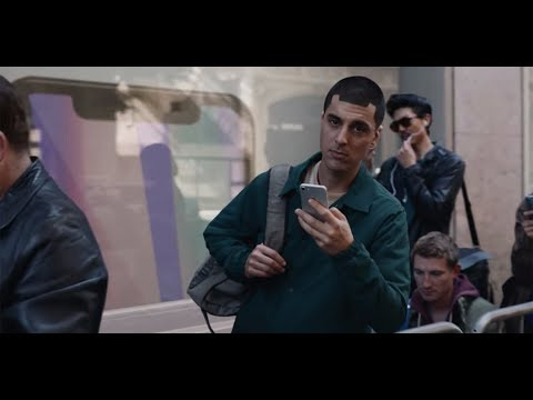 Samsung made fun of the iPhone X in its latest ad AAPL, SSNLF