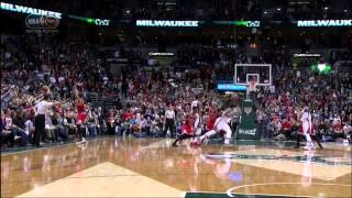 Jerryd Bayless buzzer-beater game-winner layup: Chicago Bulls at Milwaukee Bucks Game 4