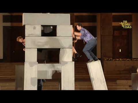 «Block» de la compañía británica Nofit State Circus & Motionhouse en la plaza Santa Ana