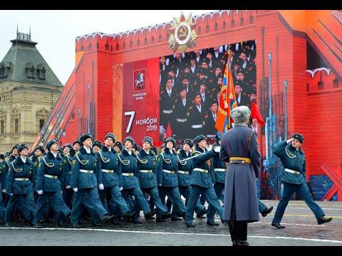 Кадеты АГЗ МЧС: парад на Красной площади