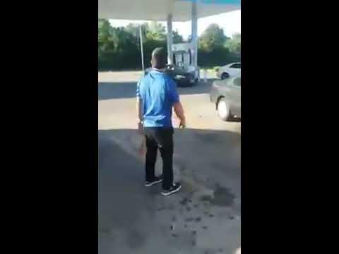 Gas station worker slaps up shoplifting girl