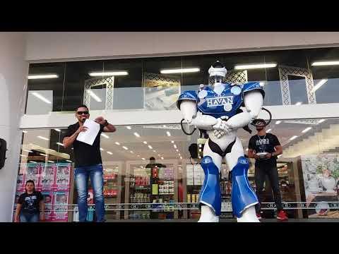ROBÔ HAVAN: Dj Max Interagindo Com O Robô