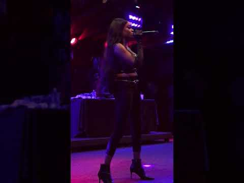 Azealia Banks - Chi Chi (North American Tour Live @ Tipitina's in New Orleans 2017 )