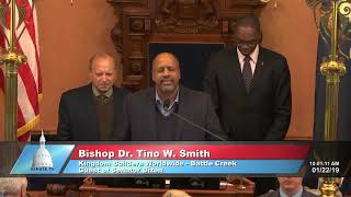 Bizon welcomes guest pastor for Senate invocation