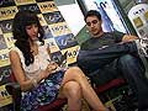 Imran Khan and Shruti Hassan watch Luck with Fans!!