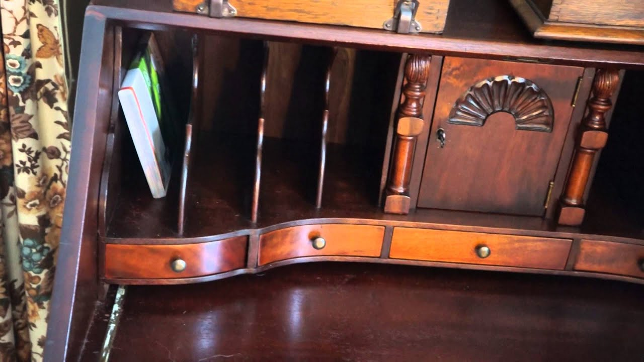 Perfect Antique Furniture Governor Winthrop Desk 1924. - YouTube EZ31