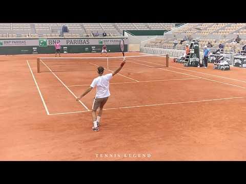Roland-Garros 2019 : Roger Federer technique in slow motion