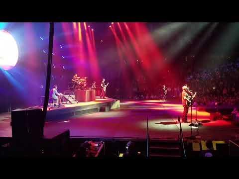 Luke Combs, Live, Houston We Gotta Problem