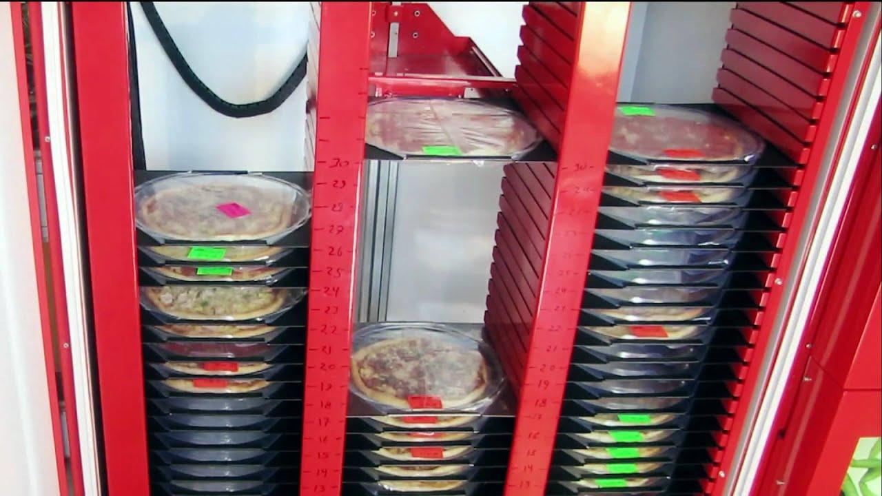 Пицца в санкт-петербурге разнообразная пицца с сыром, мясом, овощами,. Кока-кола 1л в подарок! * скидки и акции не суммируются. Купить. 700 г.