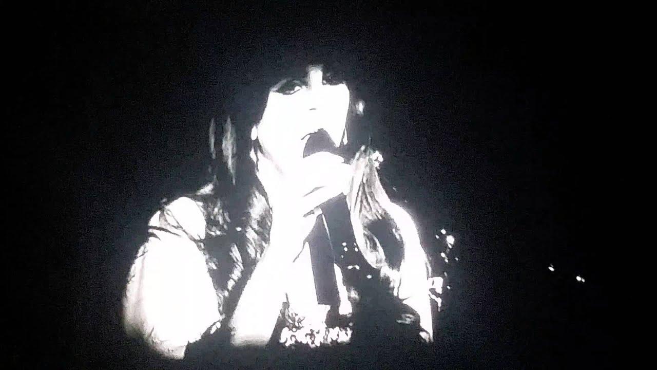 """Lana Del Rey Sings Leonard Cohen' """"chelsea Hotel"""""""