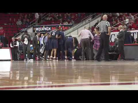South Carolina State guard Tyvoris Solomon collapses on bench (Trainers have to perform  CPR)