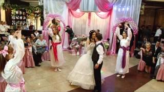 Самый красивый свадебный танец (песня Richard Marx-Right Here Waiting)