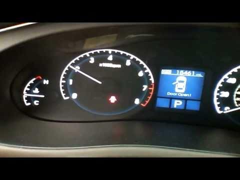 2010 Hyundai Genesis 4.6L V8 Quick Tour, Start Up, Rev With Exhaust View 15K