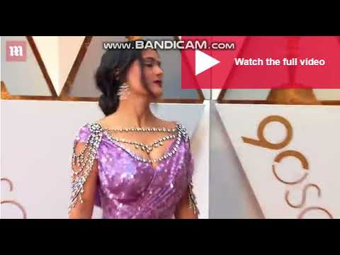 Download Purple Reign;Salma Hayek Shows Why she's queen at Oscars 2018